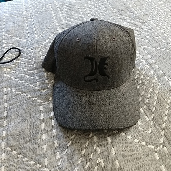 55ab658a6f Used Hurley hat size xs flex fit